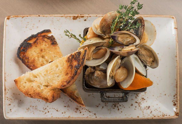 Roasted Clams with Toasted Bread
